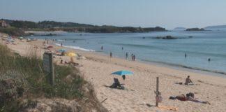 Cacabelos insiste en que a calidade e os servizos das praias mecas non dependen das bandeiras azuis