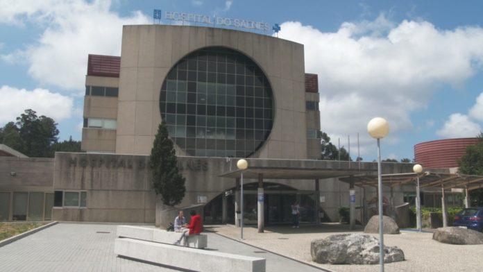 O persoal do Hospital denuncia a orde de traslados polo peche de camas
