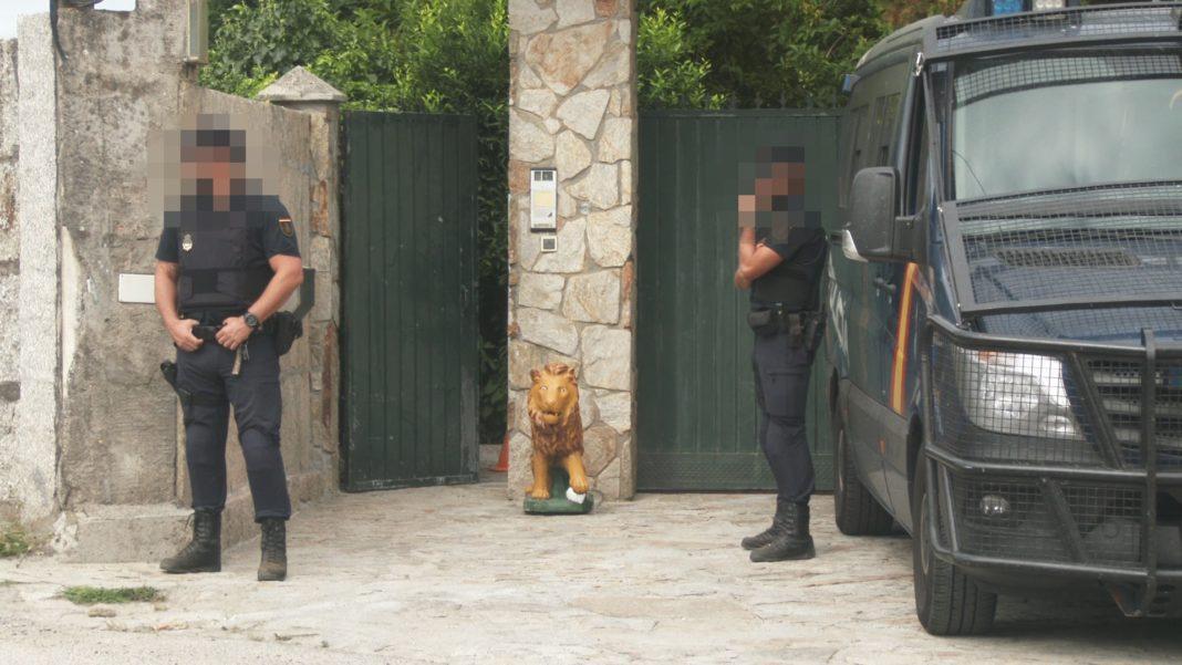 Manuel Charlín e seu fillo Melchor, detidos por un alixo de cocaína nunha operación antidroga