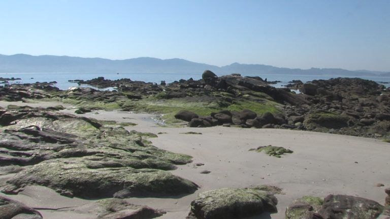 20 anos de protestas pola praia Carabuxeira de Sanxenxo
