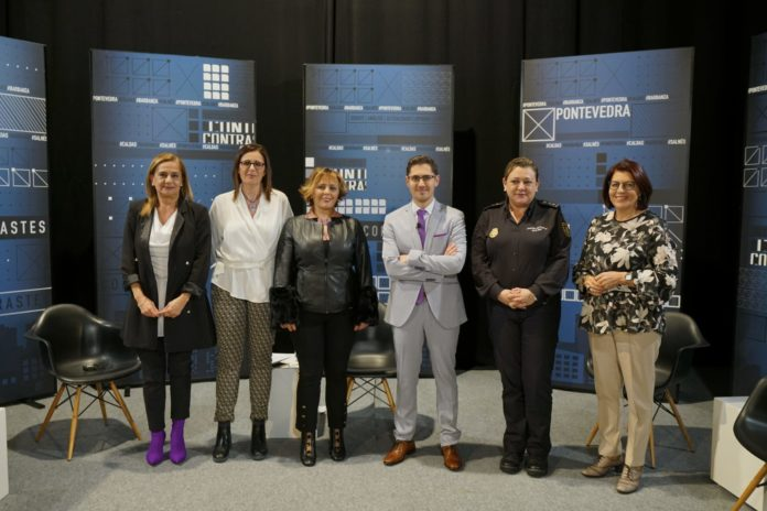 Dani García coas convidadas ao faladoiro de mulleres empoderadas