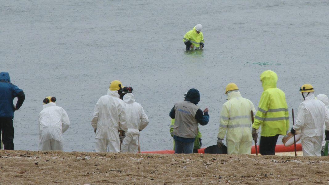 As Sinas protagonista dun simulacro de contaminación mariña