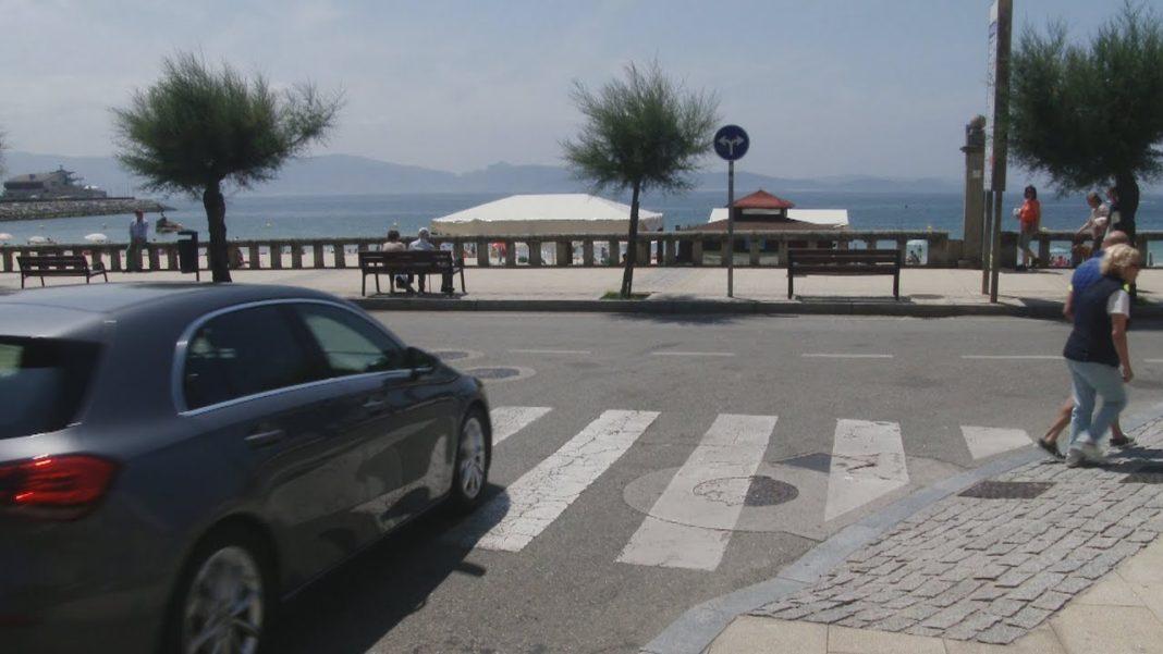 Os cambios na circulación melloran o tráfico na entrada de Sanxenxo e no Paseo de Silgar