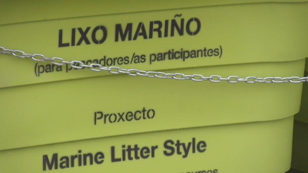 A confraría de Vilanova retira do mar máis de 700 quilos de lixo